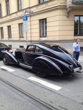 Mercedes-Autobahnkurier-540k-1