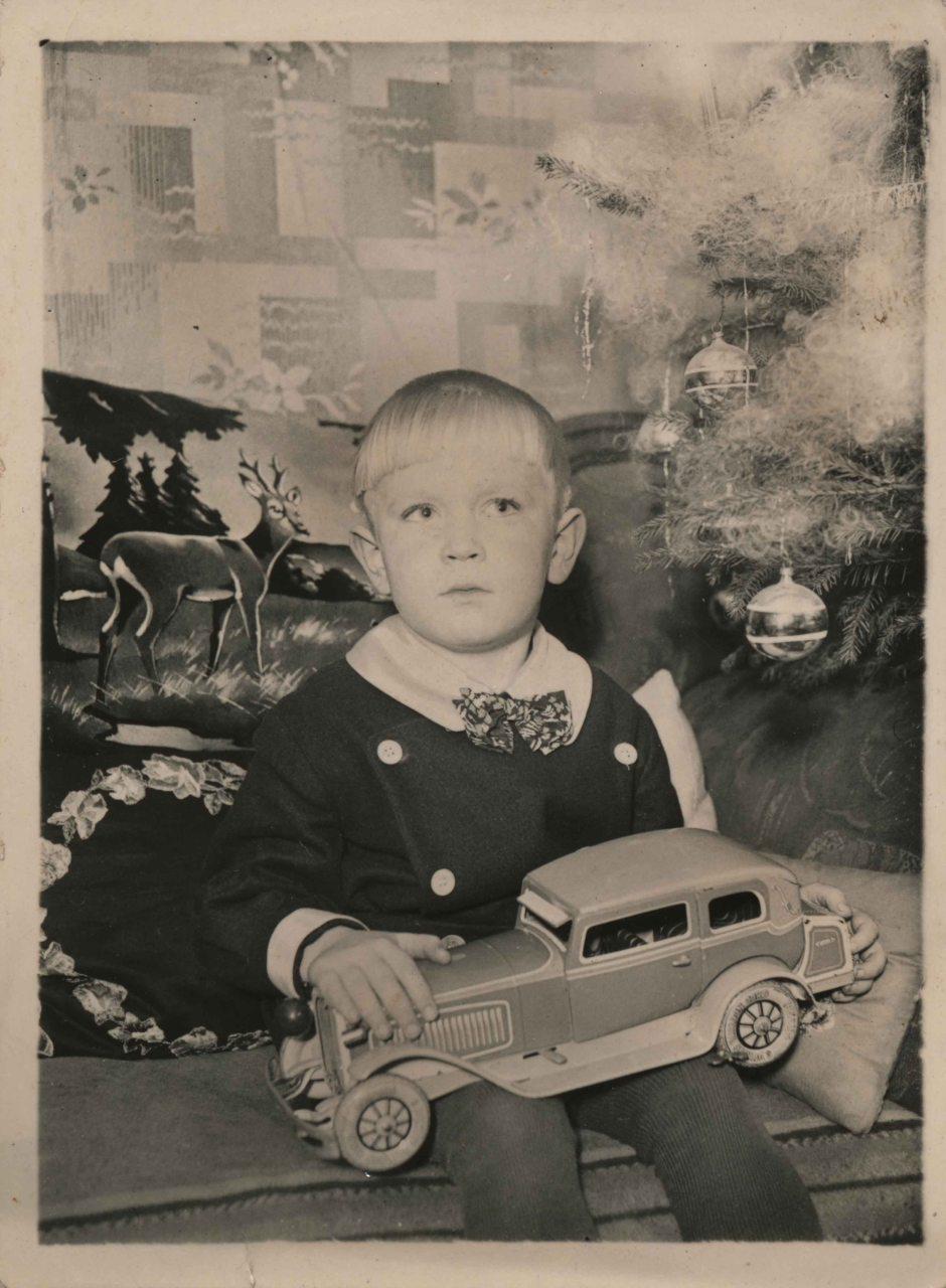 weihnachten-Blechspielzeug-Bub