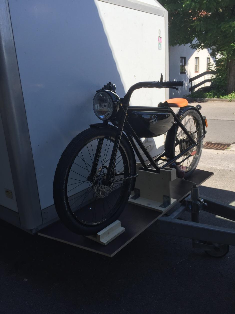 Meijs Motorman am Hänger