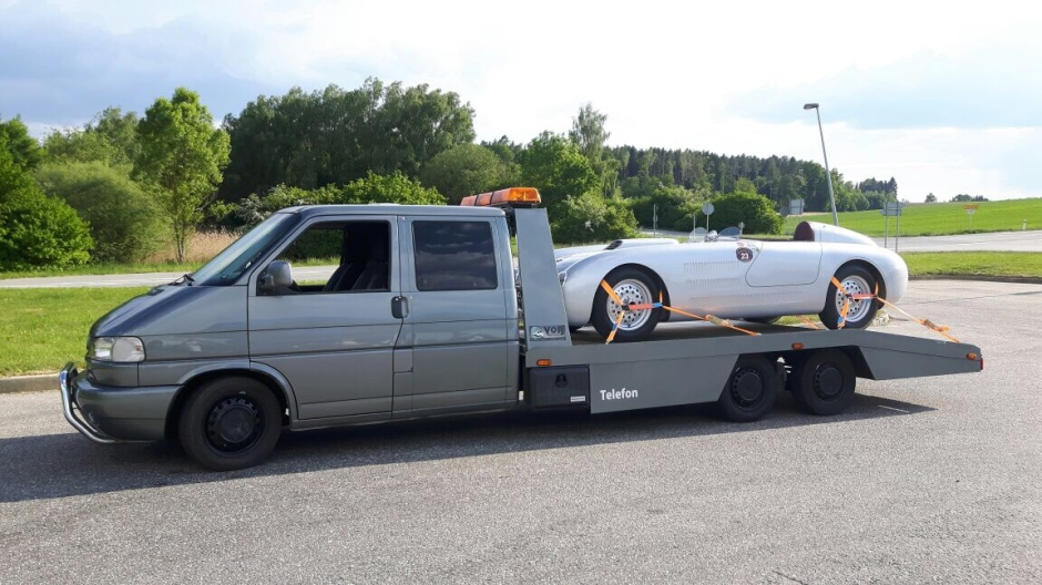 Renntransporter mit einem Veritas S