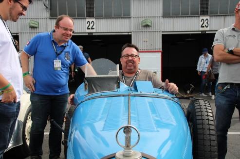Max im Bugatti